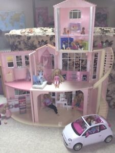 Barbie Dreamhouse / doll house with accessories plus Shopkins