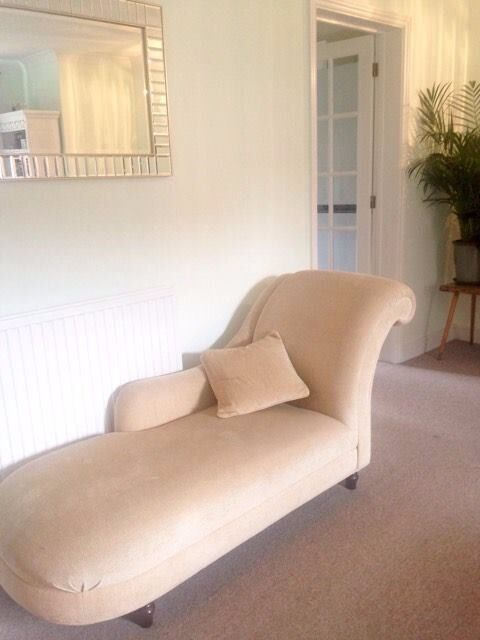 Laura Ashley Chaise Lounge GREAT CONDITION