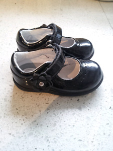 Stride rite Girls Shoes size 4