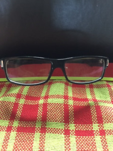 GUCCI BLACK DESINER EYEGLASSES