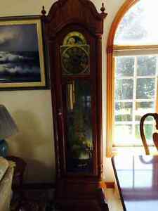 Ridgeway Vintage Solid Oak Grandfather Clock (MUST SELL!!)