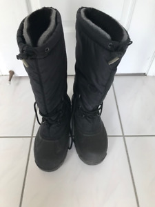 Sorel Winter Boots Size 9 men's gently used
