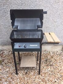 Small Flamemaster gas barbecue with 2 cylinders of gas, manual and cooking utensils