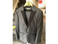 Dont let marriage shops rip you off buy this grooms suit only worn twice