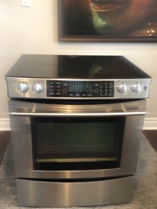 Jenn Air Electric Stove in EXCELLENT CONDITION! $300 OBO