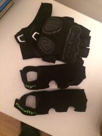 Crutch grips and crutch gloves