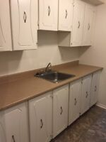 2 BEDROOM - DUNDAS ST - HEAT & WATER INCLUDED