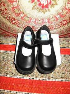 Kid Smart Girls Black Leather Dress Shoes Size 8 like new