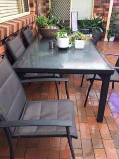 Outdoor 7 pc setting by Shelta Australia