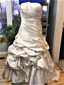 S14 Rich Champagne Coloured Designer Wedding Dress