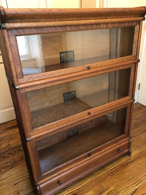 Antique Globe Wernicke barrister bookcase w glass in quarter-sawn Oak