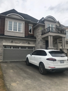 New Detached Double Garage House For Lease In Aurora