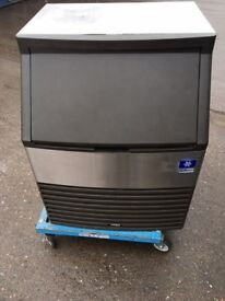 Manitowoc Ice Cube Machine / Ice maker with capacity of 96 kg per 24 hours