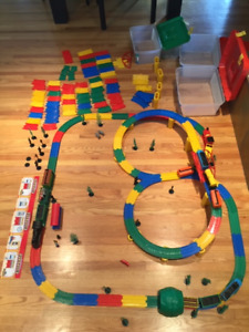 Small Scale - Model Train Set for Kids
