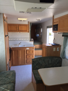 Excellent Shape - 2000 Rustler 5th wheel RV with bunks