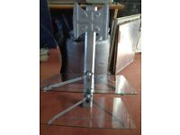 CANTILEVER TV STAND WITH SWIVEL MOUNT FOR TELEVISIONS