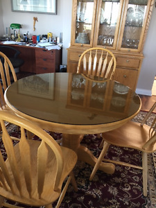 Oak Table and 4 chairs