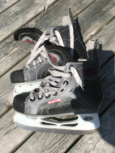 Easton hockey skates - size 13
