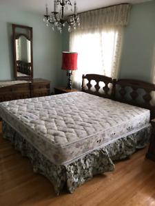 Mobilier de chambre à coucher vintage de marque Thomasville