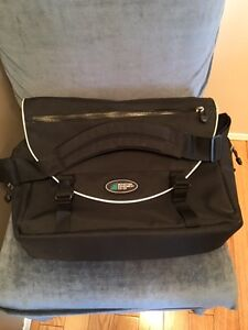 Mountain Equipment Coop Briefcase (MEC)--Like NEW