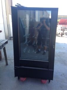 Refridgerated/Frozen vending Machine for sale/Key Lock Cylinders Regina Regina Area image 3