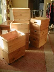 stacking pine storage boxes 9 in total, 40cmx30cmx24cm tall (15, 3/4 x 12' x 91/2'