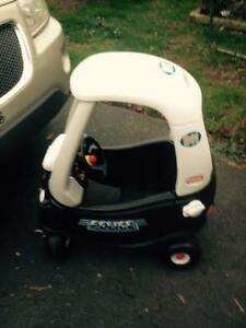 Little tikes car - Police theme - excellent condition