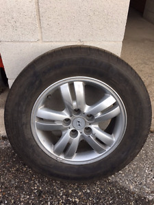 Factory Hyundai alloy wheels w/ Michelin all seasons