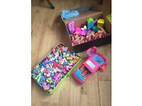 Polly pocket bundle - over 40 dolls plus hundreds of clothes and extras