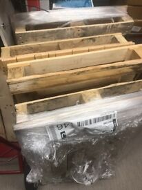 5 FREE Wooden Paletts