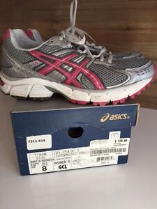 ASICS CHAUSSURES A COURSE / RUNNING SHOES 8-1/2  $55