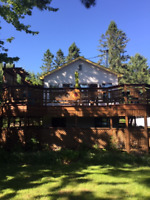 CHARMING, Bright Lakefront chalet -Val David avail Fall, Winter