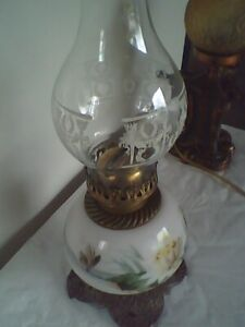Antique 1890s Oil / Kerosene Lamp With Hand Painted Water Lilly