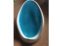 Angelcare Blue Soft Touch Baby Bath Seat / Support - As New Condition