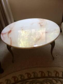 Coffee table marble in good condition