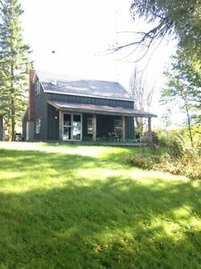 Lakeside Cottage on Denbigh Lake