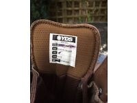 British issue size 8 YDS KESTRAL boot
