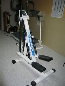 VOYAGER ST600 EXERCISE STEPPER with Computer Monitor