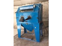 Industrial Sandblast Cabinet and Dust Extractor
