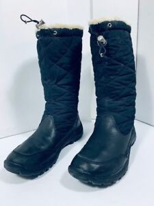 *UGG - real / authentic - women size 9 US*