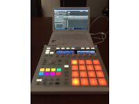Maschine MK2 White nearly new. Software included