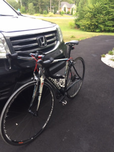 Specialized Tarmac Elite Road Bike In Mint Condition - $995.00