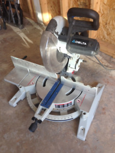 Laser compound miter saw