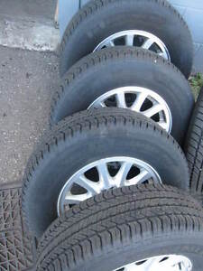 215/70/15 Mud and Snow tires with or without rims Kitchener / Waterloo Kitchener Area image 3