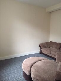 HOUSE TO LET, FULLY REFURBISHED, NEW EVERYTHING, CUL DE SAC, VERY QUIT AREA