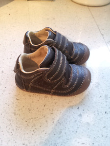 Stride Rite Boys Shoes Size 5