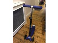 Maxi Micro blue scooter excellent condition age 5-12