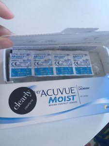 1-Day Acuvue Moist Contact Lenses (-3.25)