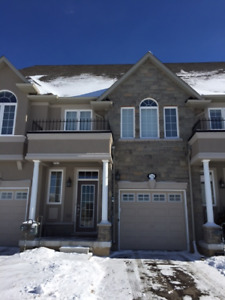 *MUST SEE* Gorgeous Ancaster Meadowlands 3BR Executive Townhouse