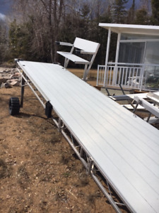 Aluminum roll in dock with bench and stairs (16ftX4ft)